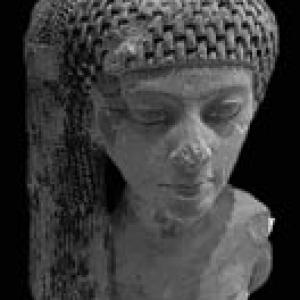 ネフェルティティ王妃