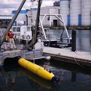無人潜水機