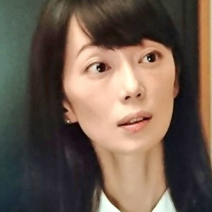 葉月里緒奈